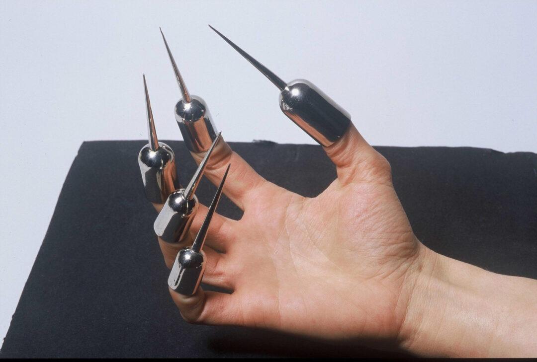 Anti-bite fingerstall